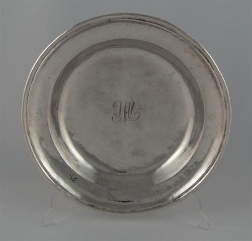 Cuatro platos trincheros de plata, Ciudad de México. Entre 1701